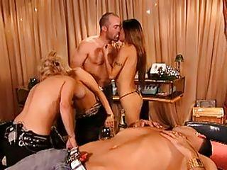 Групповой секс фистинг