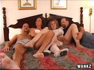 Смотреть порно двойного проникновения нарезка