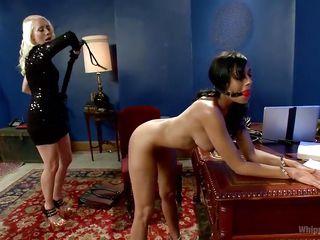Порно госпожа и рабыня