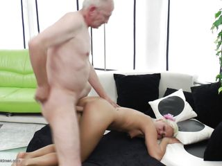 Порно возбуждающая жена