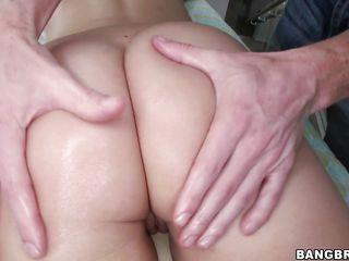 Лысая порнозвезда