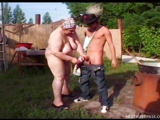 секс в бассейне мультик