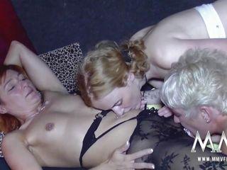 Показать порно фото старые немецкие бабки раком