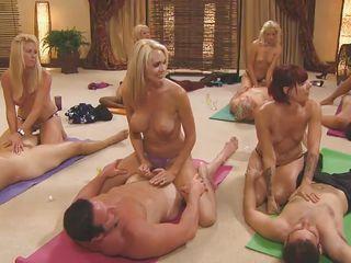 порно каштанка групповуха