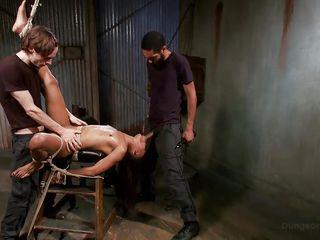 Порно фильм негр ебет белую