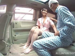 Медсестра брюнетка порно