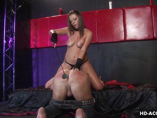 Жестокое порно госпожи и раба