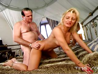 Толстушки секс втроем