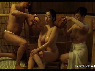 Порно жена заставляет мужа сосать
