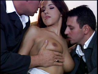 Сммотреть муж снимает голую жену на камеру