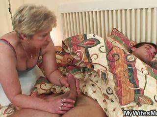 Любительское порно жену с другом