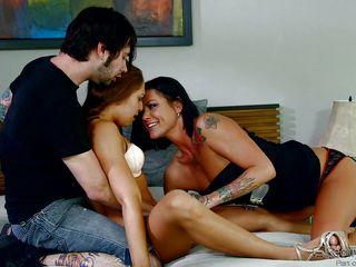 Секс как звезды уединяются парами