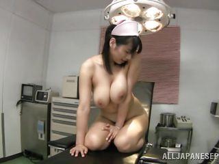 Порно огромные натуральные сиськи свежее