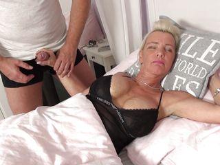 Порно видео негр кончает в блондинку