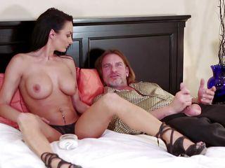 Порно онлайн сисястые жены по вебкамере