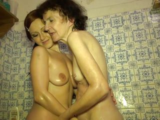 Порно зрелых волосатых баб