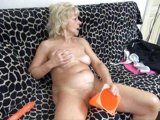 Жена привела друга порно
