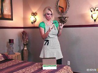 Качествени порно негр огромным хуем ибет блондинку