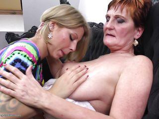 Порно взрослых зрелых женщин