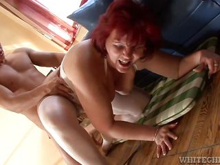 смотреть порно зрелых мамочек
