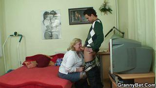 порно жирных бабушек