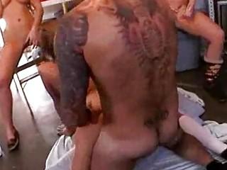 писсинг унижение порно видео
