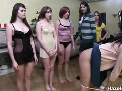 Страпон девушки онлайн