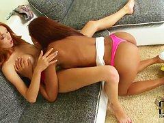Красивые лесбиянки смотреть онлайн