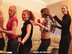 Секс в отключке с пьяными девушками