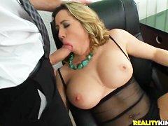 Видео порно писсинг извращения