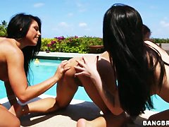 Порно видео домохозяйка и служанка лесбиянки