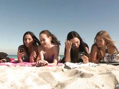 Эротика онлайн пляж