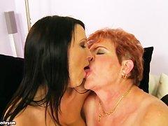 Порно полных зрелых дам