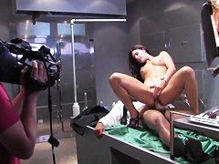 страпон и домработница порно