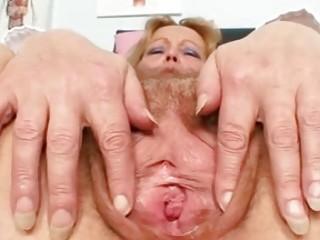 Эротические фото голых зрелых дам