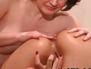 Крупным планом зрелые голые женщины